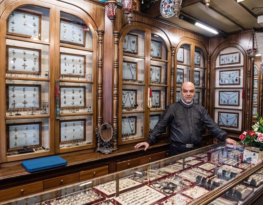 Κοσμήματα Καριοφύλλης: Η τέχνη της αργυροχοΐας