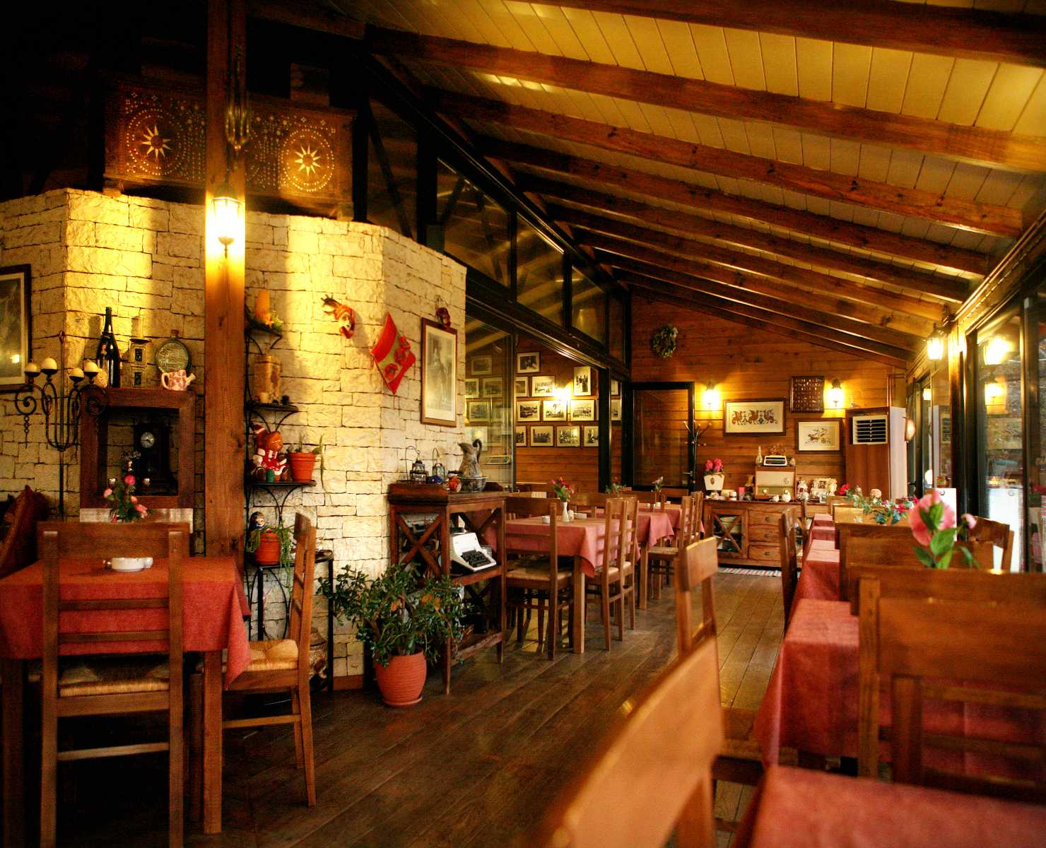 εστιατόριο_ντραμπάτοβα_αμφιθέα_ιωαννίνων